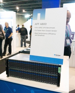 NetApp AFF A800 with 48 NVMe SSD drives