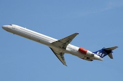 Scandinavian Airlines MD-81 taking off