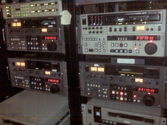 BVW-75, PVW-2800, and UVW-1800 Betacam SP VTRs.