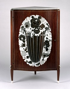 Corner cabinet of Mahogany with rose basket design of inlaid ivory by Émile-Jacques Ruhlmann (1923)