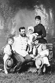 Grand Duke Vladimir with his wife and children in 1884. The children are, from left to right, Boris, Elena, Kirill and Andrei.[17]