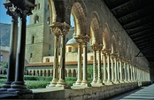 Восточная колоннада клуатра