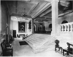 The new main entrance hall inside the 1914 addition