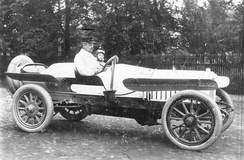 August Horch in his car (1908)