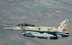 An Israeli F-16I (Block 52) with conformal fuel tanks (CFTs), internal/integrated Electronic countermeasures, and other external stores during a Red Flag exercise at Nellis AFB, NV, July 2009