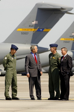 Graham and President George W. Bush visit Charleston Air Force Base in 2007