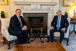 Boris Johnson talking with Mike Pompeo in the White State Drawing Room