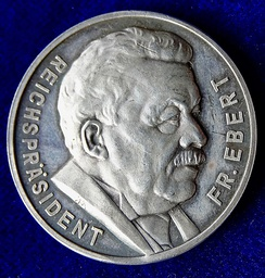 Memorial medal of the first President of Germany by August Hummel 1925, obverse