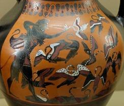Геракл стреляет в стимфалийских птиц, чернофигурная роспись на амфоре, около 540 дон.э.