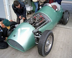 2.5 L Coventry Climax FPE on 1954 Kieft F1