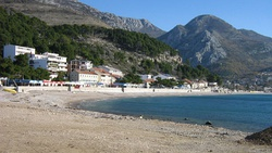 Beach in Sutomore at winter