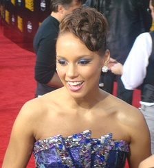 Keys at the 37th Annual American Music Awards red carpet, November 2009