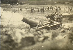 370 mm French Filloux mortar firing
