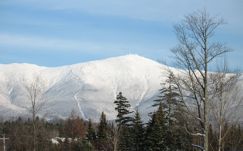 Mount Washington is the highest summit of the White Mountains and New Hampshire.