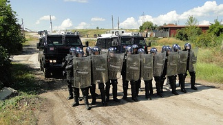 KFOR-MSU Carabinieri with two RG-12 in Kosovo, during an exercise.