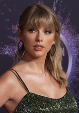 Taylor Swift at the 2019 American Music Awards