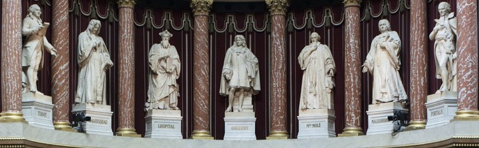 The Seven Statues facing the Senate Chamber's Semicircle (from left to right):  Turgot • d'Aguesseau • l'Hôpital • Colbert • Molé • Malesherbes • Portalis