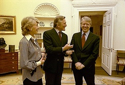 President Jimmy Carter greets Kirk Douglas and his wife, March 1978