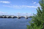 Memorial Bridge, Springfield MA.jpg
