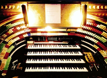 Mighty Mo (opus 5566 / 1929 built) console