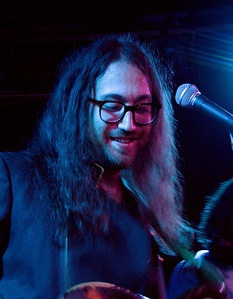Sean Lennon is the son of Japanese Yoko Ono and English and Irish descended John Lennon.[189]