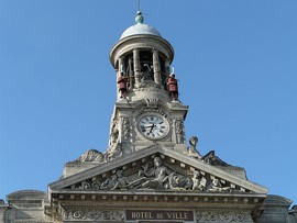 The bell tower of the town hall, where Martin and Martine [fr] mark the hours