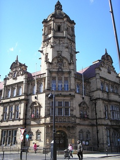 The City of Wakefield MDC's Queen Anne style administrative HQ, County Hall (1898), Wakefield