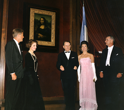 US President John F. Kennedy, Madeleine Malraux, André Malraux, Jacqueline Kennedy and Lyndon B. Johnson at the unveiling of the Mona Lisa at the National Gallery of Art during its visit to Washington D.C., 8 January 1963