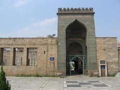 One of the oldest mosques in China is located in Quanzhou.