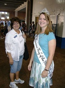 Audrey Mohr of New Ulm, Minnesota (right), Princess Kay of the Milky Way 2006–2007