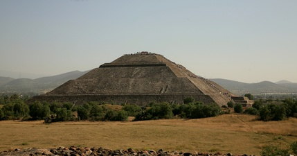 Left side view of the Pyramid of the Sun