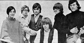 Jefferson Airplane in early 1966. From left: Anderson, Casady, Balin, Spence, Kantner and Kaukonen.