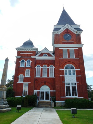 Talbot County Courthouse and Confederate Monument in Talbotton