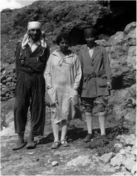 Dorothy Garrod (centre) discovered the Natufian culture in 1928.
