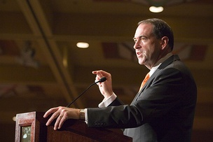 Mike Huckabee speaking at a Southern California engagement in October 2007.