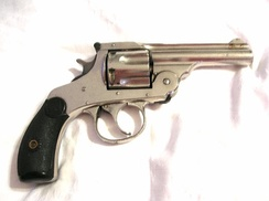 Harrington & Richardson top break revolver similar to pistol carried by Berardelli