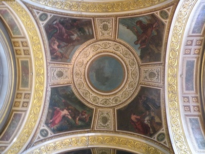 The central cupola, surrounded by allegorical figures