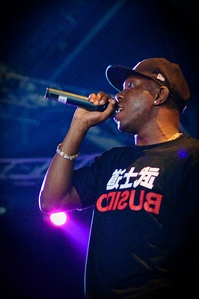 """Loca"" contains versions in English and Spanish, the English version includes the collaboration of Dizzee Rascal, while the Spanish version contains the collaboration of El Cata."