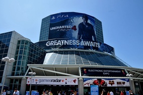 E3 2015 with Uncharted 4: A Thief's End banner