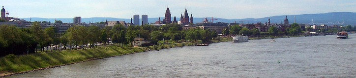 Mainz skyline May, 2007, from South Railway bridge over the Rhine looking north