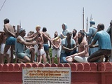 Sculpture at Mehdiana Sahib of the execution of Banda Singh Bahadur in 1716 by the Mughals.