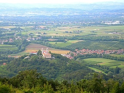 The plain at the confluence of the Soča and Vipava rivers around Gorizia is the main passage from Northern Italy to Eastern Europe.
