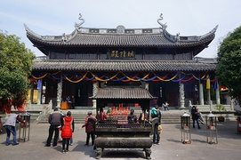 Temple of the City God of Sheng County, Zhejiang. City Gods are tutelary deities of administrative units whose worship became common by the late Tang dynasty. Generally, they are deified historical persons from that given locality who distinguished themselves through extraordinary attainments.