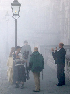 2004 filming of a 19th-century film scene set in London