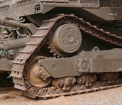 Caterpillar D9 High DriveNote the elevated drive sprocket, with advantages for large earth-moving machines[21]