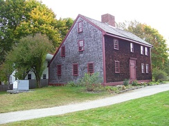 Parker Tavern, Reading, Massachusetts showing traditional New England saltbox architecture