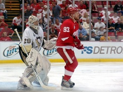 Fleury is screened by Franzen during Game 5
