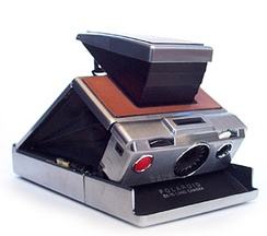 A SX-70 camera model similar to the one Kertész experimented with in the late 1970s and into the 1980s
