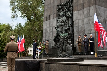 President Obama lays a wreath at the Warsaw Ghetto Memorial in Warsaw, Poland, May 27, 2011