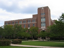Completed in 1992, Richardson Library faces the Quad in the heart of DePaul University's Lincoln Park Campus.
